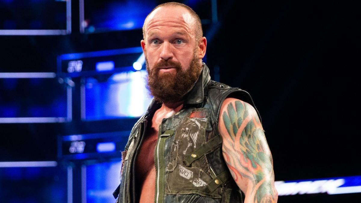 Eric Young se lesionou nas últimas gravações da Impact Wrestling