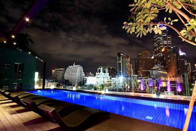 Hotel Icon en Bangkok piscina