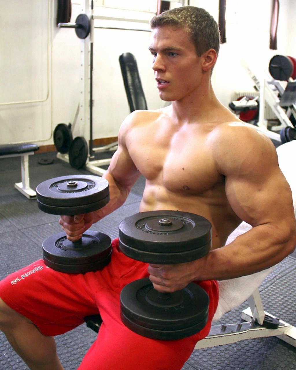 strong-sexy-muscle-blond-bro-gym-workout-hunk-biceps