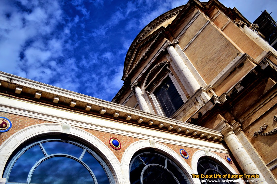 bowdywanders.com Singapore Travel Blog Philippines Photo :: Italy :: Outside the Vatican Museums: What to Do and See When You Visit