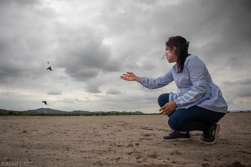 Neha Singhi feeding crows at Sambhar Lake Jaipur Rajasthan