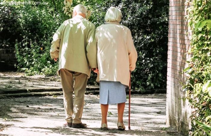 Do you have elderly parents who refuse to admit they aren't young any more? Me too! Here's my story. #elderly #parents