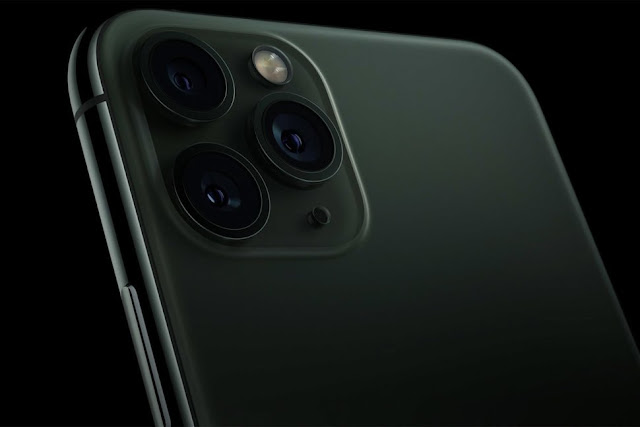 Apple Introduces an iPhone With Three Cameras