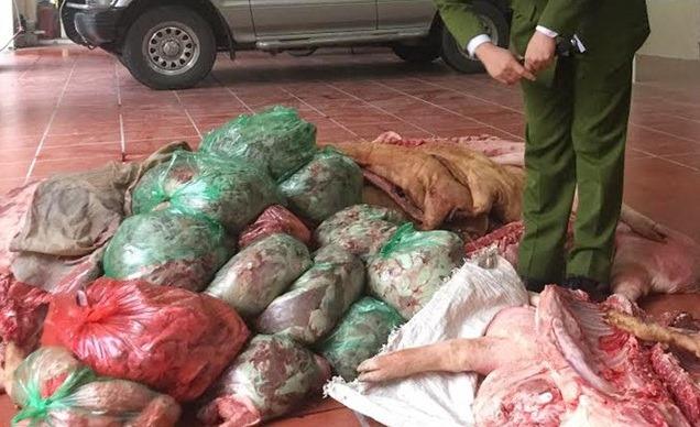 """""""Nước sạch"""" nhiễm dầu – vì đồng tiền người Việt bất chấp đạo đức"""