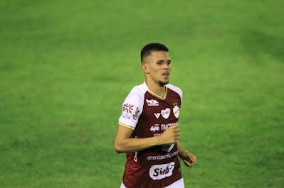 Santos tem interesse no volante Pablo, do Vila Nova