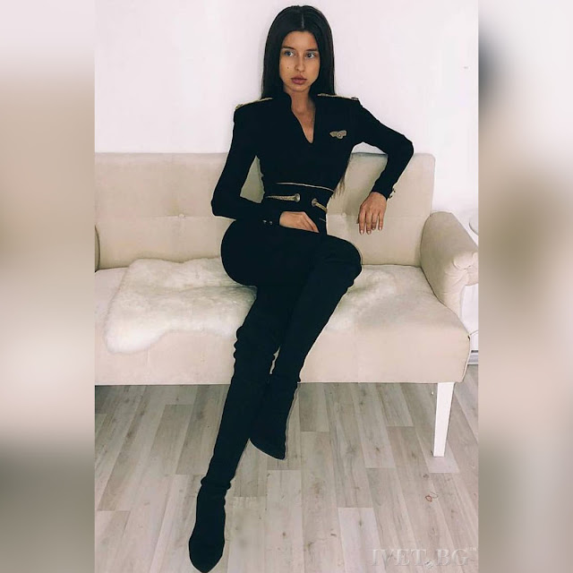 Μακρυμάνικη μαύρη ολόσωμη φόρμα KARLENA
