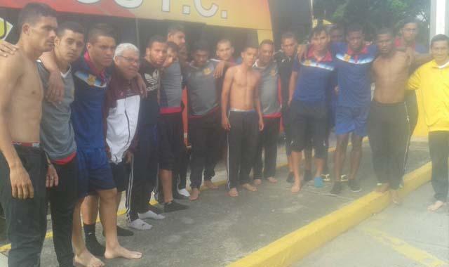 Atracan y Desnudan a todos los jugadores del Trujillanos FC