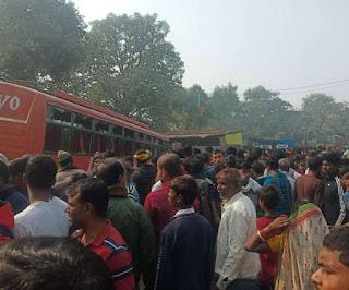 हाजीपुर में बड़ा सड़क हादसा, दुकान के अंदर घुसी बस, कई लोगों की गई जान