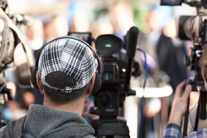4 etapy życia w mediach ważnego tematu