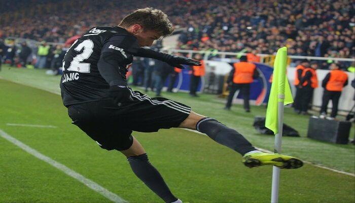Futbol Kurallarında Değişiklik - Nesneye Tekme Atmak Fırlatmak - Kurgu Gücü