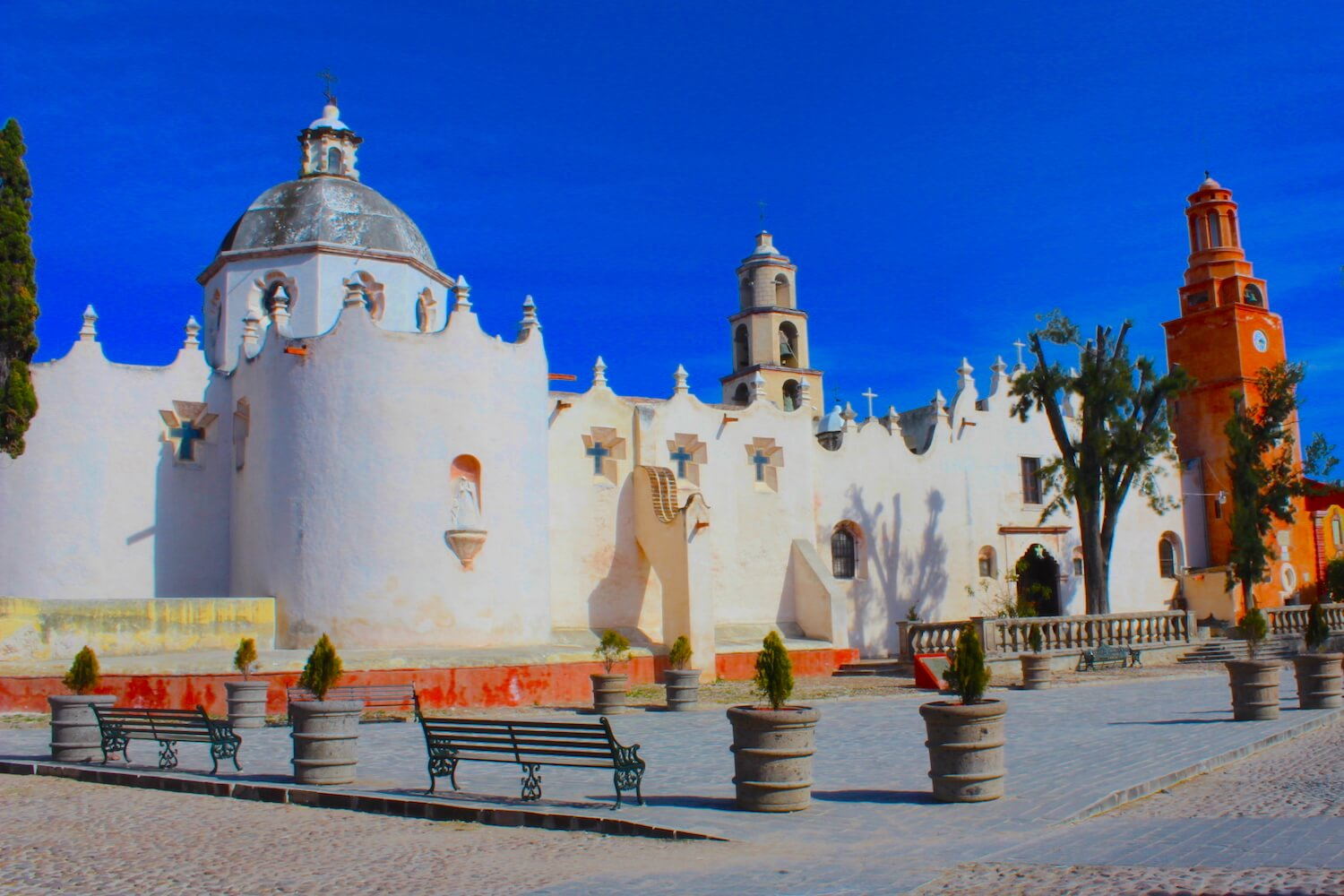 atotonilco white church sanctuary outside