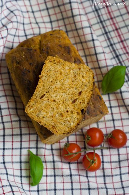 Chleb z suszonymi pomidorami przepis
