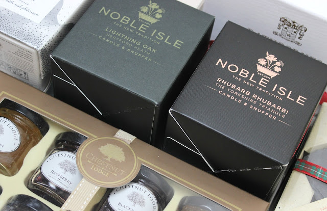 A picture of Noble Isle Lightning Oak and Rhubarb Rhubarb! Candle & Snuffer