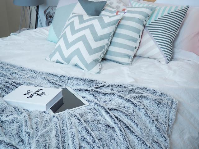 Winter bedroom makeover on budget!