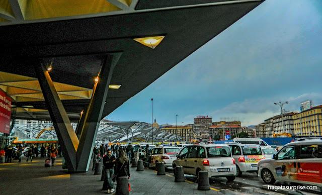 Estação Garibaldi, Nápoles