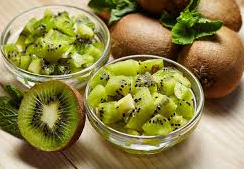 4 Benefits of Kiwifruit for Skin Health