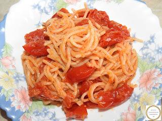 Spaghete cu rosii cherry si cascaval reteta,