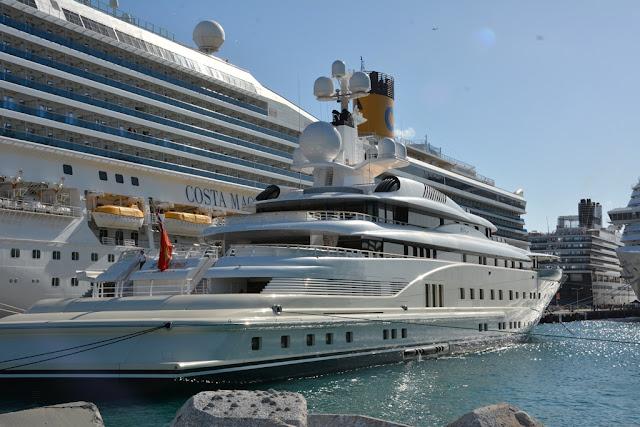 Costa Magica yacht