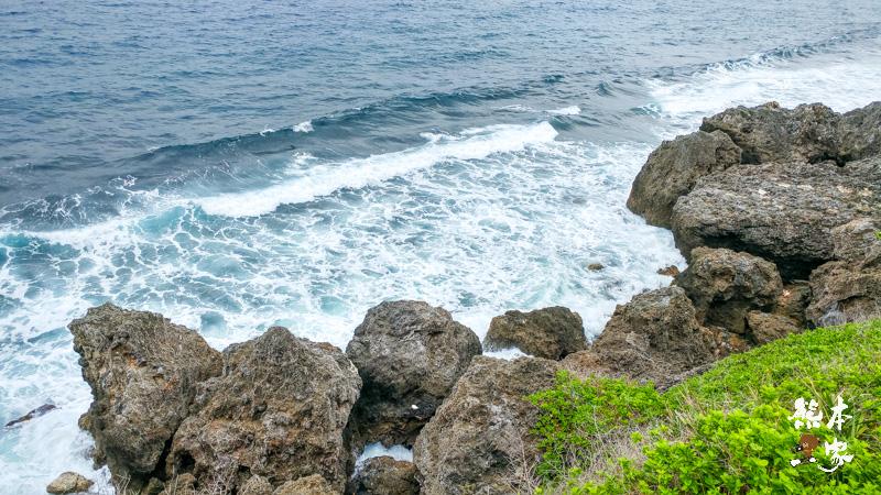 小琉球海龜出沒固定觀賞點之一 中壇太子爺觀海秘境(太子𡊨)