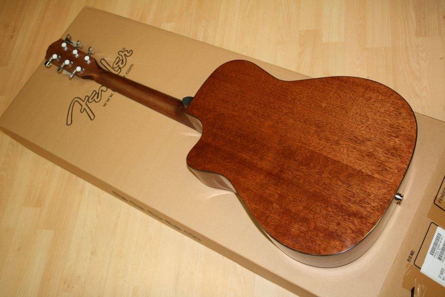 Đàn Guitar Fender CF-140SCE