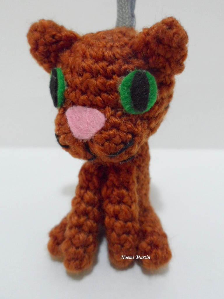 http://agujalanaytijeras.blogspot.com.es/2015/01/gatos-amigurumi.html