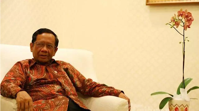 Bukan Habib Rizieq, Terkait Kasus Kerumunan FPI Polisi Harus Periksa Mahfud MD