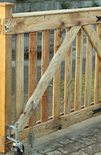 Pallet Wood Driveway Gates - Weather strip