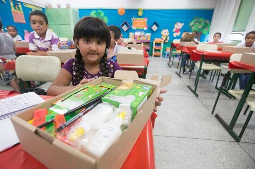 Governo de SP entrega 3,5 milhões de kits com material pedagógico e de orientação para período de aulas em casa