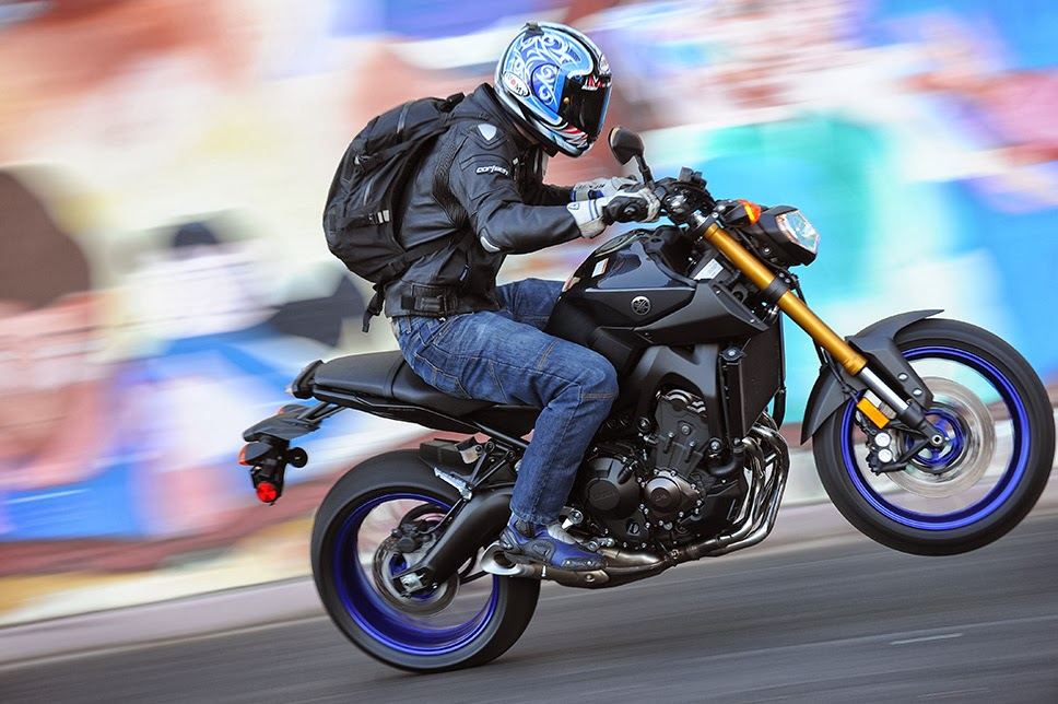 2014 Yamaha FZ-09 First Ride Review   Adventure Rider