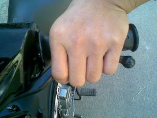 Cara Mengendarai Motor Kopling untuk Para Pemula