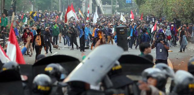 BEM Seluruh Indonesia Geruduk DPR Tanggal 16 Juli
