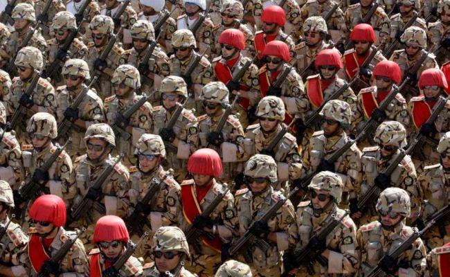 Parade militer Iran