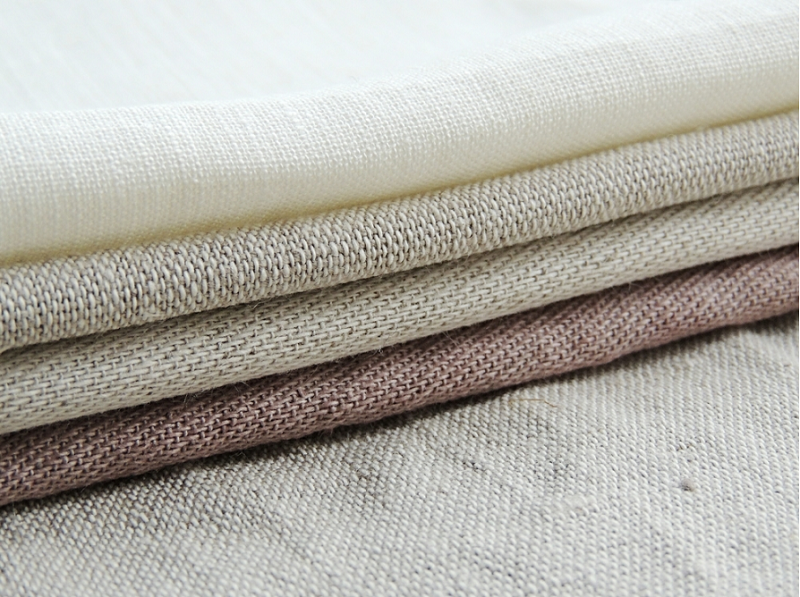 Vải đũi dệt từ sợi tơ tằm thô