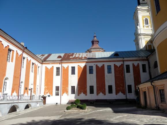 Кременець. Колегіум єзуїтів