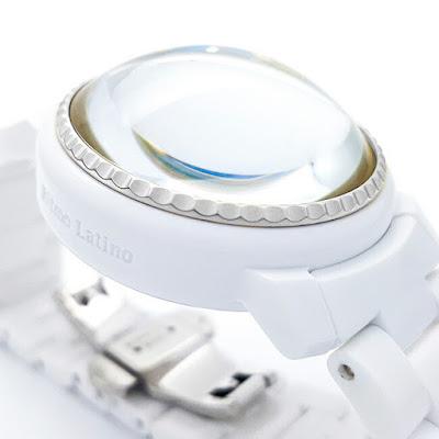 ドームガラスの時計