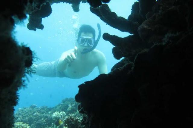 Jinn Cave atau Gua Jin Taman Laut Olele