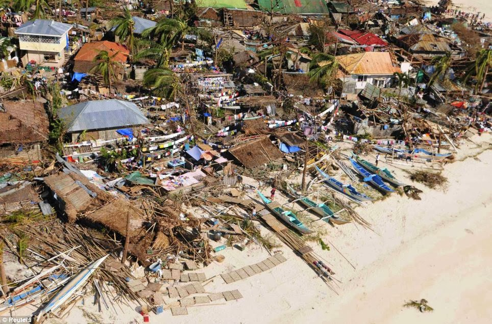 Philippines Typhoon Haiyan: Bodies piled in streets as
