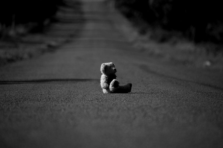 Wallpaper Girl Sad Alone Banco De Imagenes Y Fotos Gratis Imagenes Tristes Parte 6