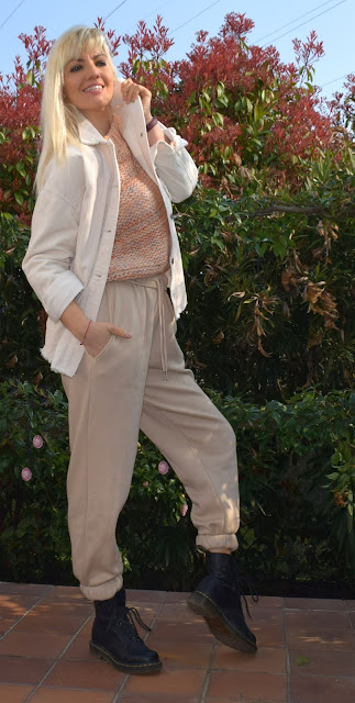 pantaloni jogger outfit pantaloni jogger outfit casual outfit primaverili casual how to wear joggers outfit mariafelicia magno colorblock by felym fashion blogger italiane blog di moda blogger italiane di moda femme luxe pantaloni tuta  femme luxe
