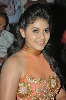 Anjali hot pictures in sleeveless top