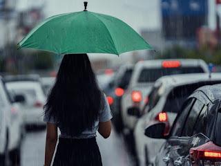 Tips Menjaga Kesehatan Ditengah Musim Hujan Versi Kaum Rebahan ID
