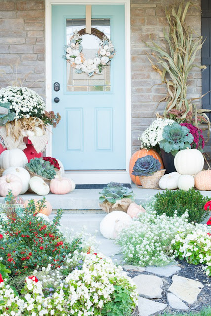 Fall front porch decorating featured at Talk of the Town at www.knickoftime.net