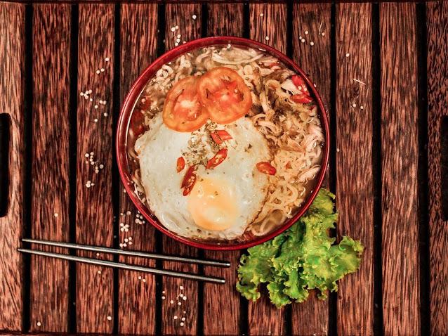 Harga Makanan di The Woodens Cafe & Resto