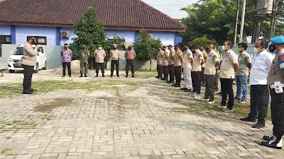 Jelang Pilkades Serentak, Oky Bekti Wibowo  Pimpin Apel Tiga Pilar di Desa Kedaung Barat