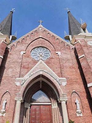 Gereja Katolik Kelahiran Santa Maria, Surabaya