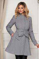 Palton Artista gri elegant in clos accesorizat cu cordon