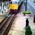 Πέρασε από πάνω του τρένο αλλά δεν έπαθε τίποτα - ΒΙΝΤΕΟ