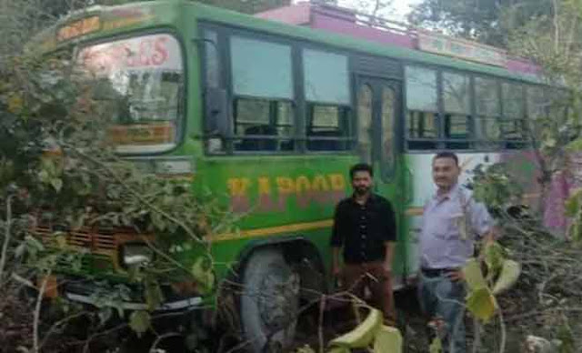 हिमाचलः चलती बस में ड्राइवर की हार्ट अटैक से मौत, मरते-मरते भी बचाई दो दर्जन यात्रियों की जान
