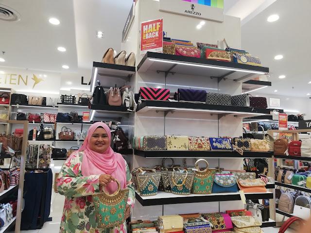 Dapat Baucer RM 50 dengan Promosi Half Pay Back dekat Lulu Hypermarket
