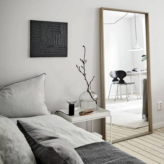 Dekorasi Kamar Tidur Sederhana dengan Cermin